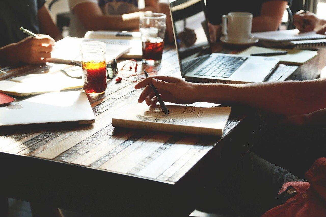 Wie akademische Ghostwriter helfen können