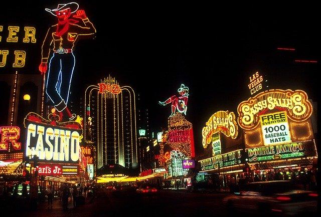 Glücksspiel Software: So funktionieren Online Slots & Co